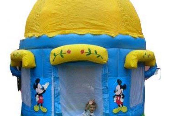 Vente etlocation de structure gonflable maison Mickey à Oyonnax.